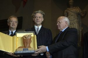 Номинировать Зеленского на Нобелевскую премию