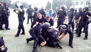 Радикали з Нацкорпусу влаштували бійку з прихильниками «Слуги народу»